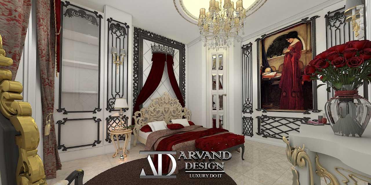 نمایی از تخت و دیوارهای اتاق خواب قرمز طنابی به سبک کلاسیک
